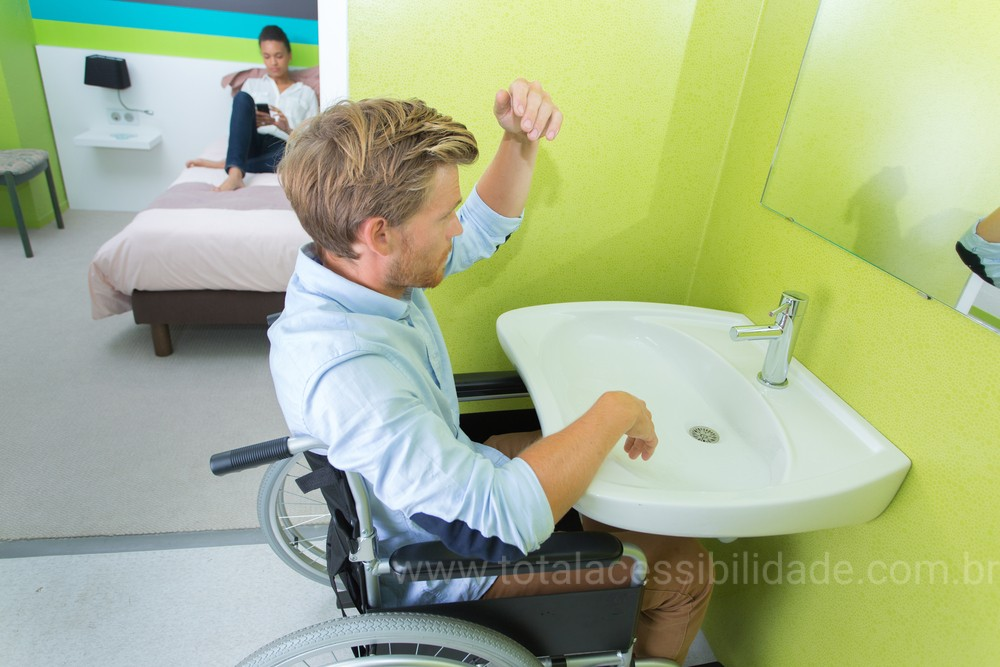 Espelho para Sanitário / Banheiro Acessível
